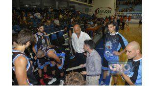 El equipo dirigido por Ignacio Barsanti volverá a jugar de visitante. Viene de vencer a Villa Ángela Básket.    Foto UNO/ Mateo Oviedo