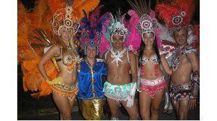 Una comparsa pide ayuda para representar a Paraná en Villa Gesell