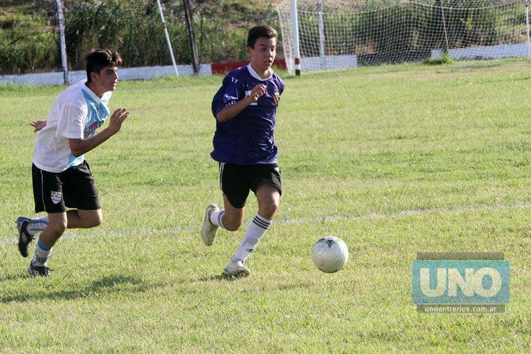 Fueron los primeros juegos en la cancha de Toritos. Foto UNO/Diego Arias