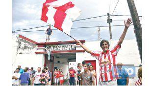 El Pueblo Rojiblanco vivirá el sábado una jornada histórica en el estadio Pedro Mutio. Foto  UNO/Mateo Oviedo