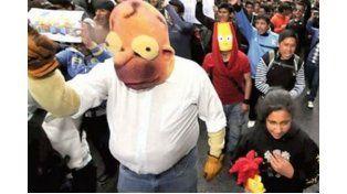 Bolivianos marchan para que Los Simpson sigan en su horario