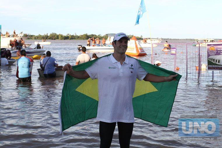 De Brasil. Matheus Evangelista corrió el maratón acuático Villa Urquiza-Paraná y se alzó con un noveno lugar.  Foto UNO/Diego Arias