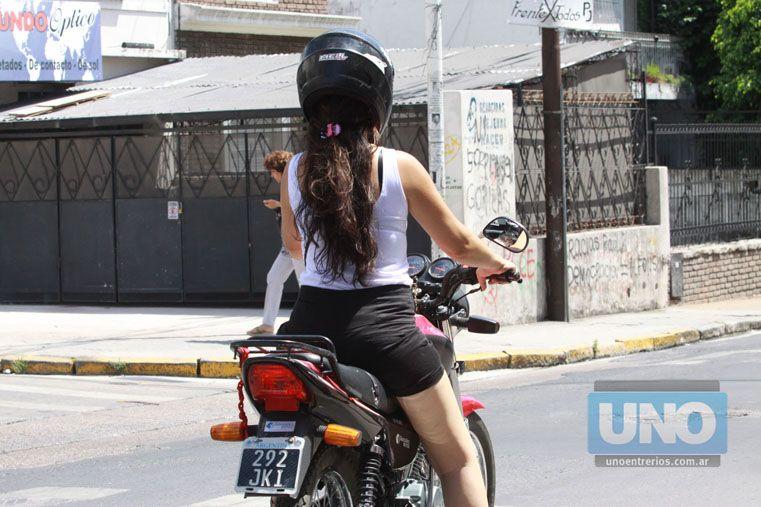 Prevención. Grieve consideró importante que se mantengan los controles para que la gente use casco. Foto UNO/Juan Ignacio Pereira