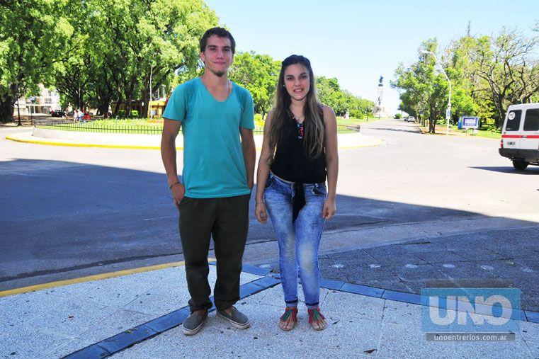 Ellos. Dardo y Luciana tienen diabetes Tipo I y usan bomba de insulina. Foto UNO/Juan Manuel Hernández