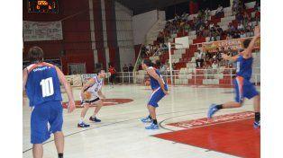 El AEC dio una muestra de gran caracter para llevarse el triunfo. Estuvo abajo por 42-29. (Gentileza / Villa Ángela Basket)