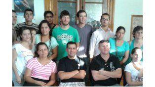Casera. La nueva comisión envió la foto con todos los integrantes que trabajarán para brindar más servicios.