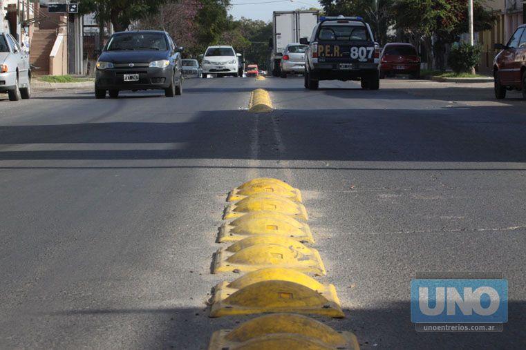 Medida. En Paraná el año pasado se decidió dividir las calles en dos manos.  Foto UNO/Juan Ignacio Pereira