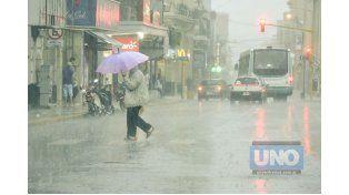 En Paraná. Hoy también habrá que salir con paraguas.