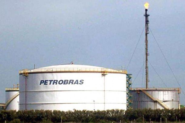 La presidenta de Brasil decidió desplazar a la titular de Petrobras