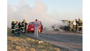 Seis muertos por el choque frontal de dos autos sobre la ruta provincial 85