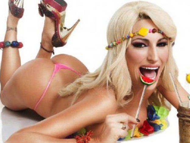 Xipolitakis será conejita de Playboy