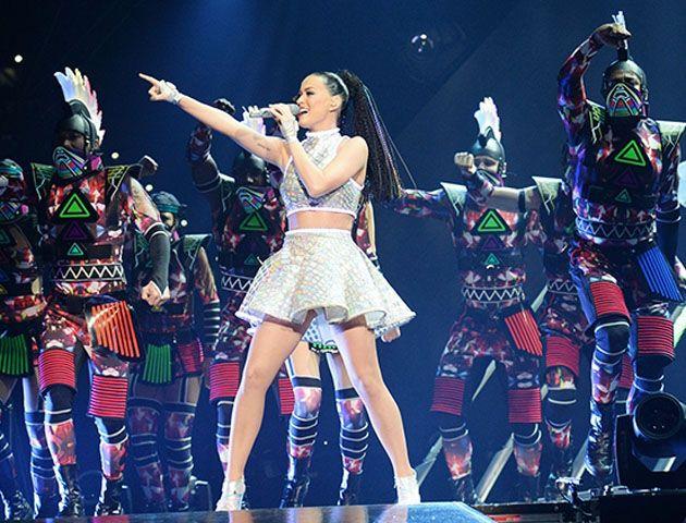 Katy Perry brilló en el increíble show del Superbowl