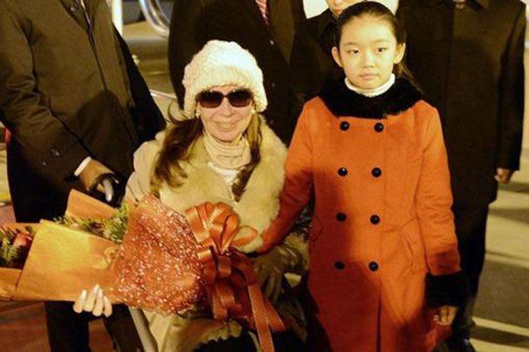 La Presidenta llegó a China para firmar acuerdos y reunirse con su par Xi Jinping