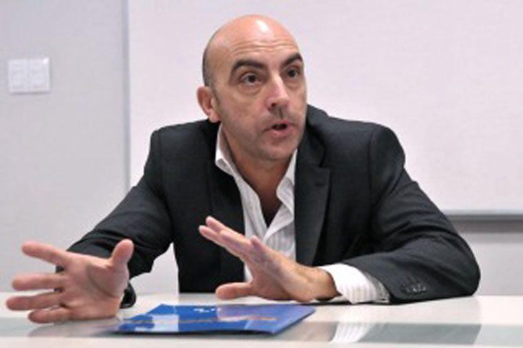 Murió el economista Tomás Bulat