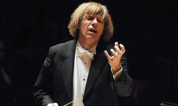 Director de orquesta murió en pleno escenario