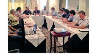Los directivos del ente organizador y los clubes tuvieron  su encuentro en el Hotel Maran Suite por la tarde.