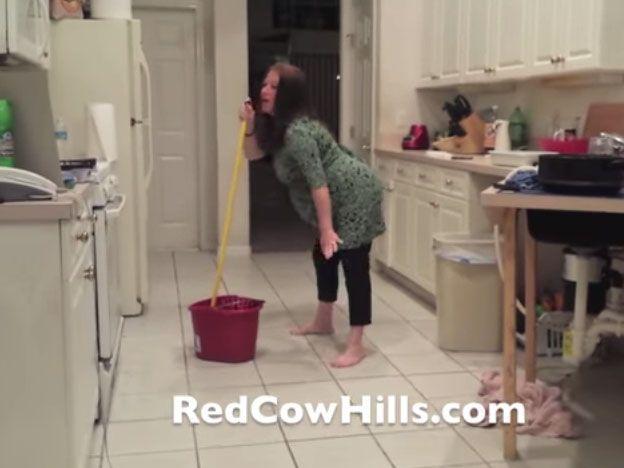 Video: embarazada le hacía baile sensual a su marido y rompió bolsa