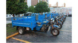 Nuevas. Esperan por las motos.