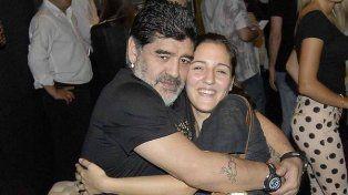 Jana Maradona se va a vivir con su papá a Dubai y desborda alegría