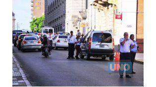 Controles periódicos. Participan a diario entre 10 y 20 inspectores. Foto UNO/Juan Manuel Hernández