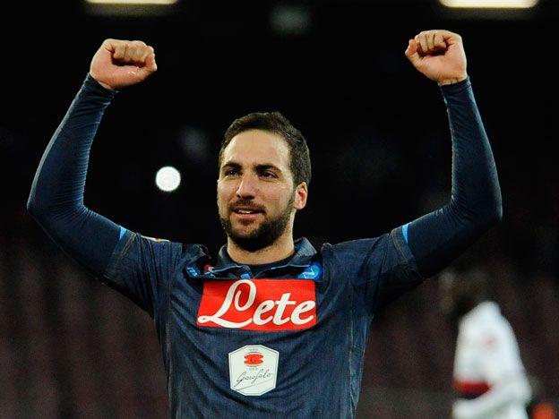 El Pipita se lució y marcó un doblete para el Napoli