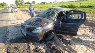 Victoria: Dio varios vuelcos con su auto y sólo hubo lesionados leves