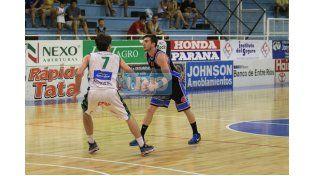 Lisandro Ruiz Moreno fue nuevamente clave en el AEC. Anoche se anotó con 26 puntos. (Foto UNO/Juan Ignacio Pereira)