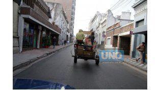 Problema complejo. Desde la Municipalidad se procura abordarlo a través de una política integral. (Foto UNO/ Juan Ignacio Pereira)