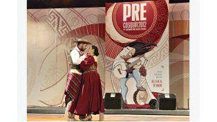 EL GAUCHO Y LA CHINA. Diego y Yanina participan en el Pre-Cosquín desde hace cinco años.