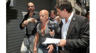 Caso Nisman: el cerrajero aseguró que abrió la puerta de servicio en dos minutos