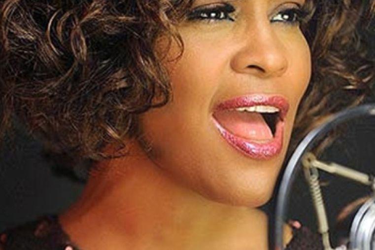 La polémica película de Whitney Houston hizo estallar a su cuñada