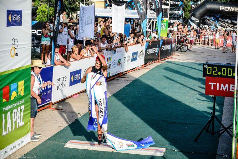 El calor. La competencia contó con una temperatura muy alta en su desarrollo. Los deportistas sacaron lo mejor de sí.   Foto Gentileza /  Prensa Triatlón de La Paz