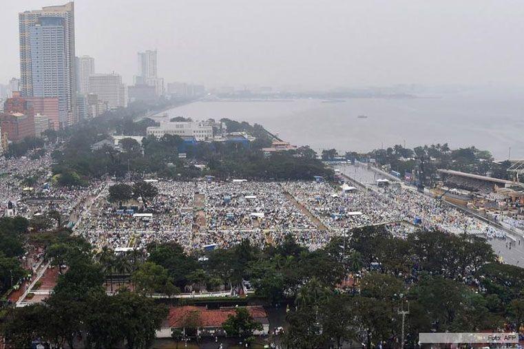El Papa finalizó su visita a Filipinas con una multitudinaria misa