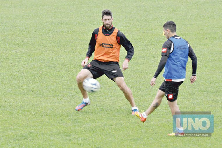 Bogino es uno de los jugadores que superó la centena de encuentros con la camiseta de Patronato en la BN. Foto UNO/Mateo Oviedo