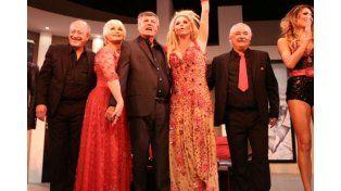 Mirtha Legrand se emocionó con la vuelta de Carlín al teatro