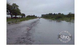 Arroyo desbordado en Gobernador Mansilla