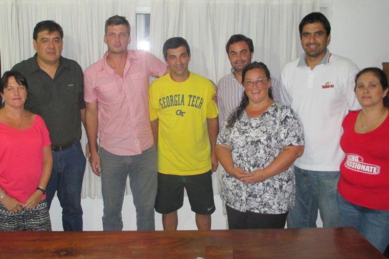 MAXI ES DEL ROJO  La Subcomisión de Básquetbol Masculino del Club Atlético Talleres presentó ante la Comisión Directiva de la institución al entrenador Maximiliano Seigorman en la función de coordinador general de la disciplina para la temporada 2015.