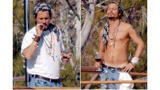 Johnny Depp (51): El famoso actor estadounidense ha sido el último rostro conocido en hacer un parón en su profesión para resolver su problema con el alcohol. Y es que durante la entrega de los premios Hollywood Documentary parecía ido y llamó la atención su dificultad al pronunciar el discurso. (FOTO GTRES)