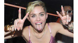 Miley Cyrus, otra vez en cueros
