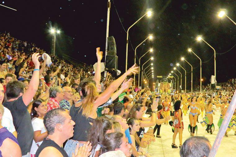 MULTITUDINARIA. La primera noche de Gualeguaychú fue una de las mejores de los últimos años. Foto Gentileza/Javier Vilaboa