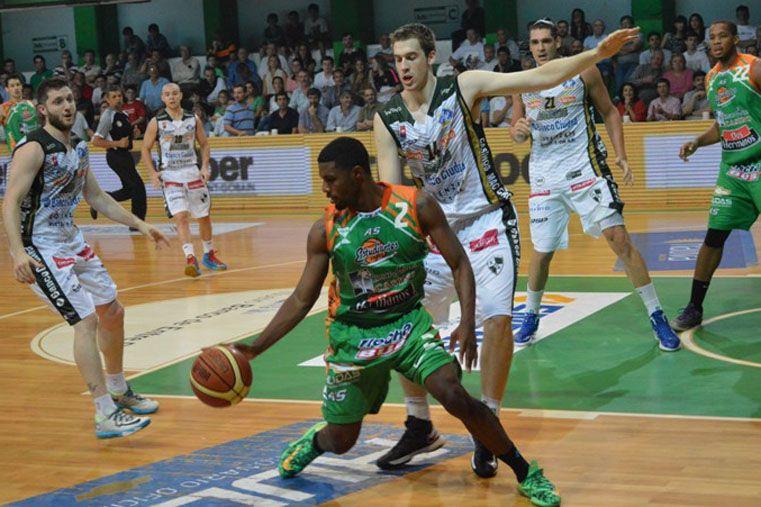 El jugador fue incorporado por el Verde en junio de 2014 y tuvo un buen rendimiento.