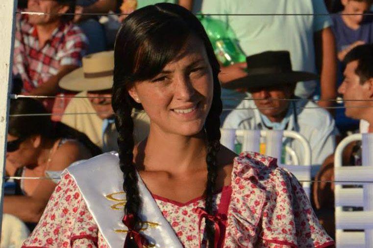 PAISANA. Fue elegida en Diamante para representar al Festival en todo el país.   Foto: Gentileza/Facebook Natalia Almaraz
