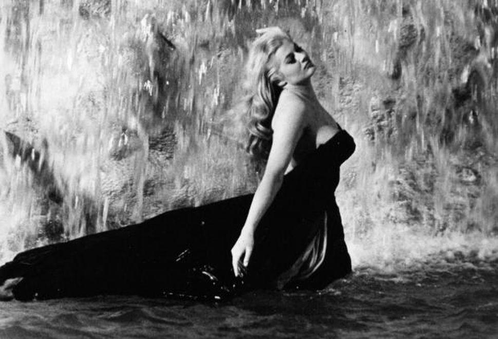 Murió Anita Ekberg, legendaria musa de Fellini en La dolce vita