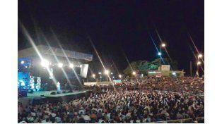 Imponente. La asistencia a la primera noche del festival.