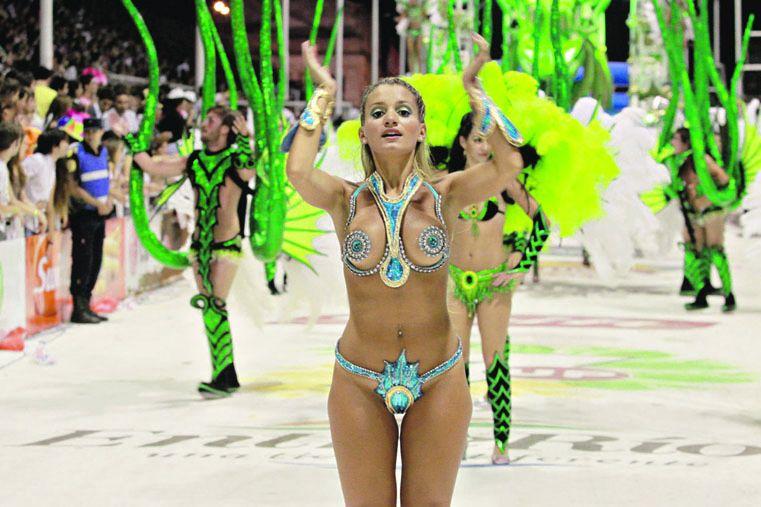 Se desata hoy la euforia del carnaval entrerriano