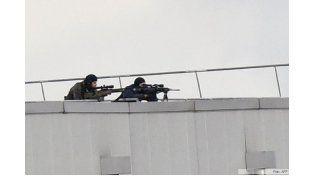 Hollande confirmó la muerte de los terroristas: Los asesinos fueron eliminados