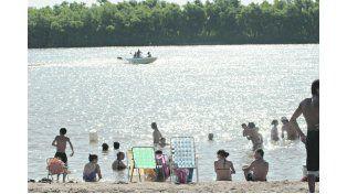 Playa, música, bailes y sol en las costas del Paraná y del Gualeguay