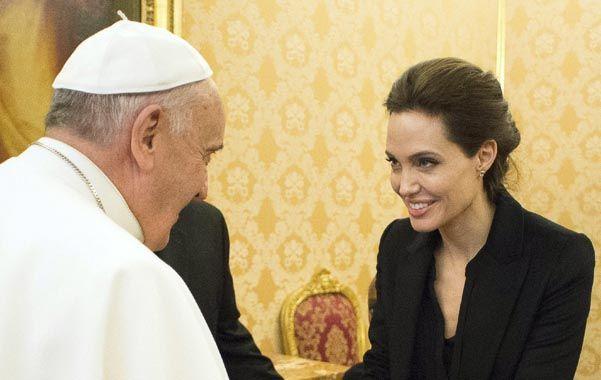 Angelina Jolie se reunió con el papa Francisco