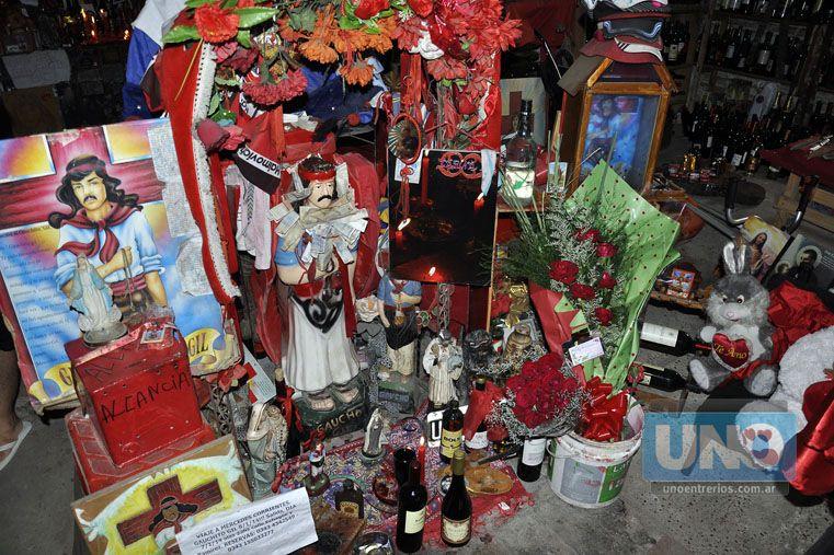 Tributo. Los seguidores colmarán cada uno de los lugares donde hay una imagen del santo pagano.   Foto UNO/Mateo Oviedo