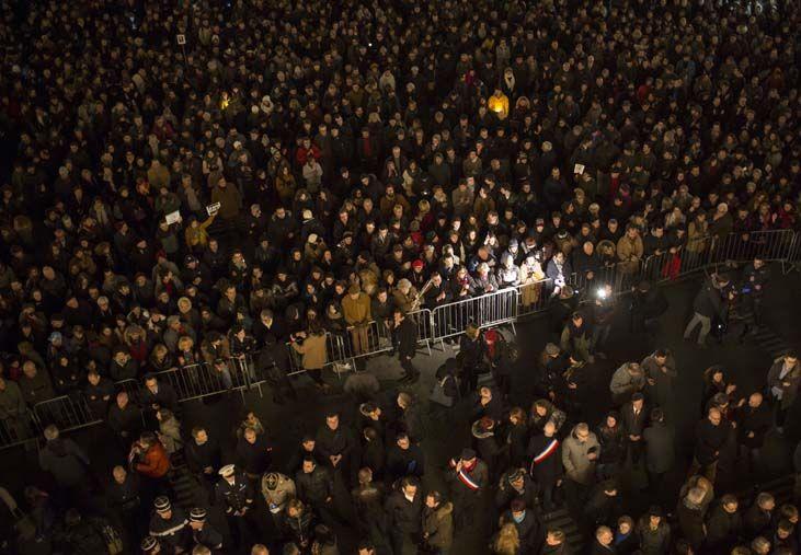 Identifican a tres sospechosos del ataque al semanario francés Charlie Hebdo